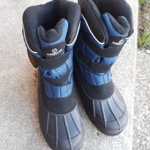 Magellan boys boots